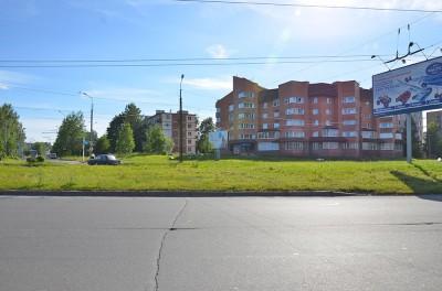 Петрозаводск сразу же удивляет наличием и сочетанием сразу нескольких архитектурных поколений